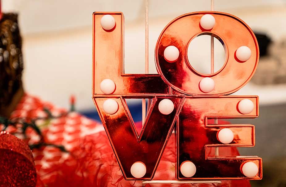 This Valentine's Day Give Love in the form of Perfume or Cosmetics