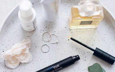 Get perfect eyelashes and eyebrows with Evoeye Eyelash, and Eyebrow.